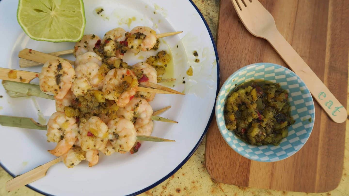 King prawn skewers with mango, coriander and coconut for the BBQ – #ReachForTheBeach
