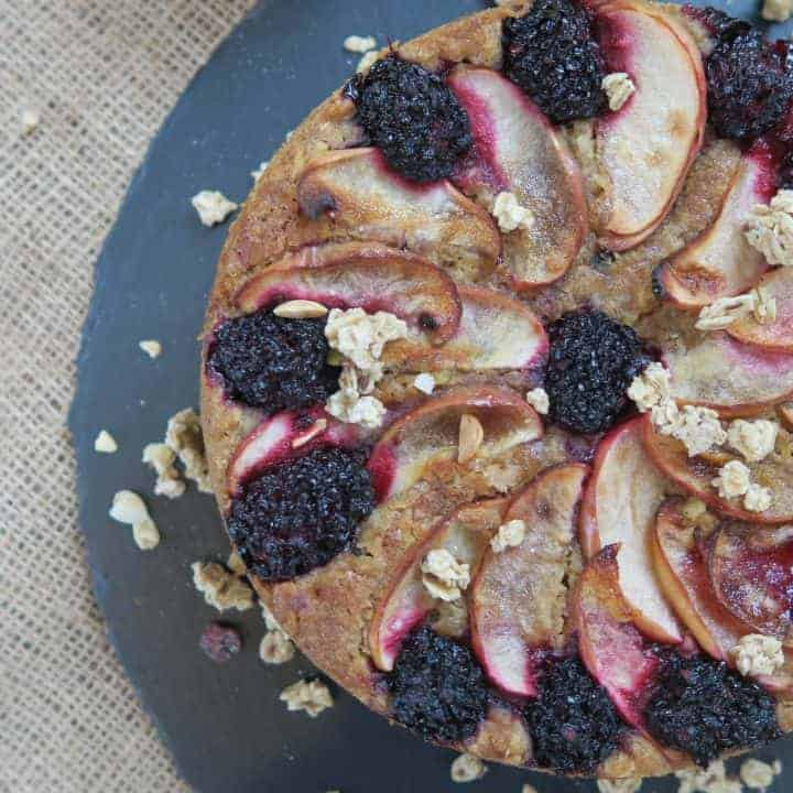 Gluten free granola cake with apple and blackberries