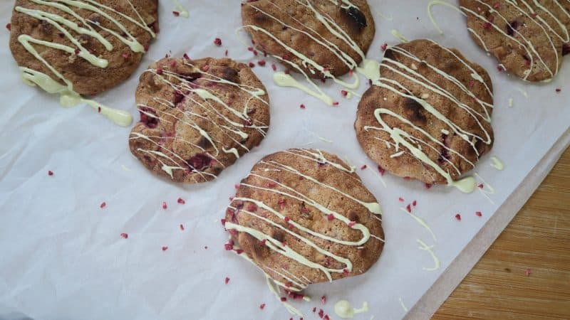 Eton mess cookies - gluten free, chewy and delicious!