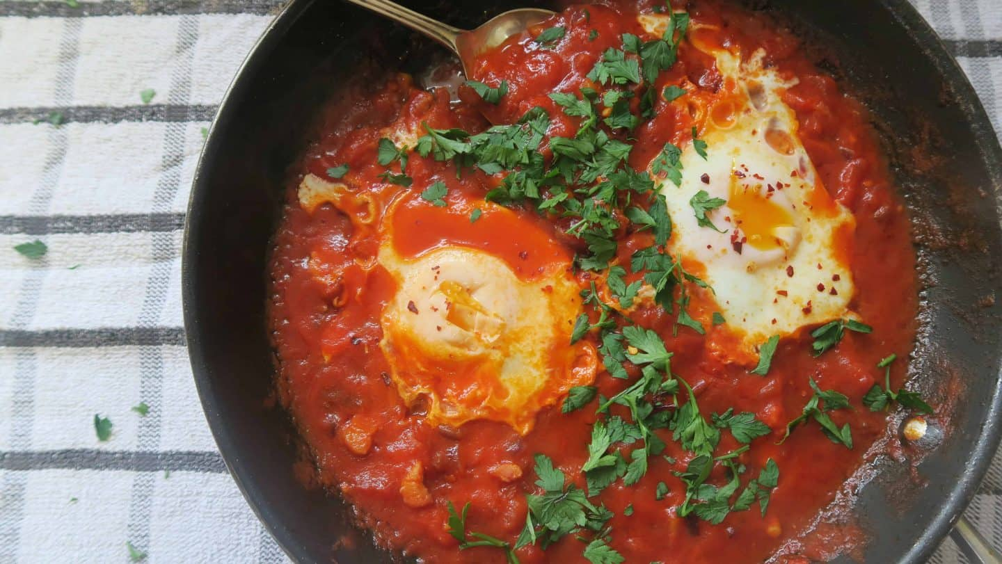 The ULTIMATE weekend brunch – gluten free Shakshuka with smoked pancetta