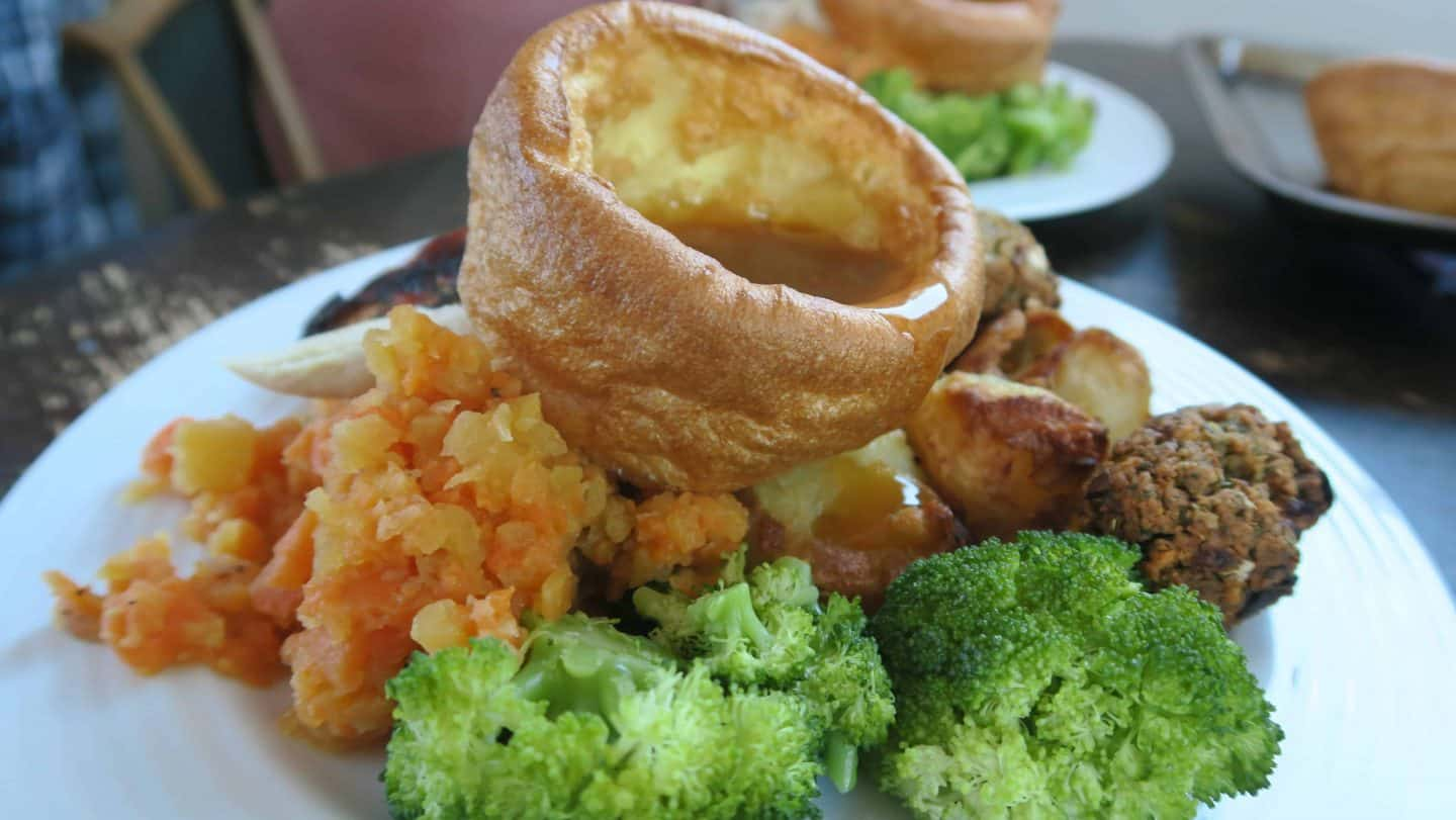 GLUTEN FREE ROAST DINNER YORKSHIRE PUDDING CO 40