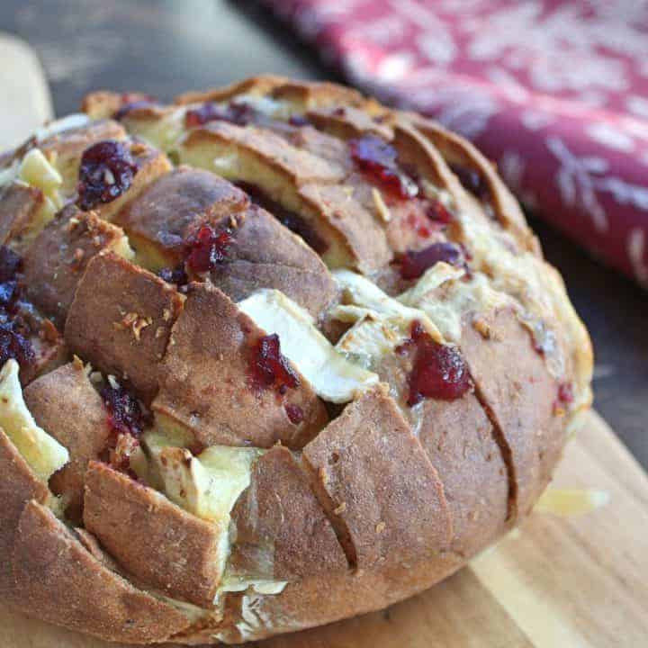 GLUTEN FREE TEAR AND SHARE BREAD BRIE AND CRANBERRY