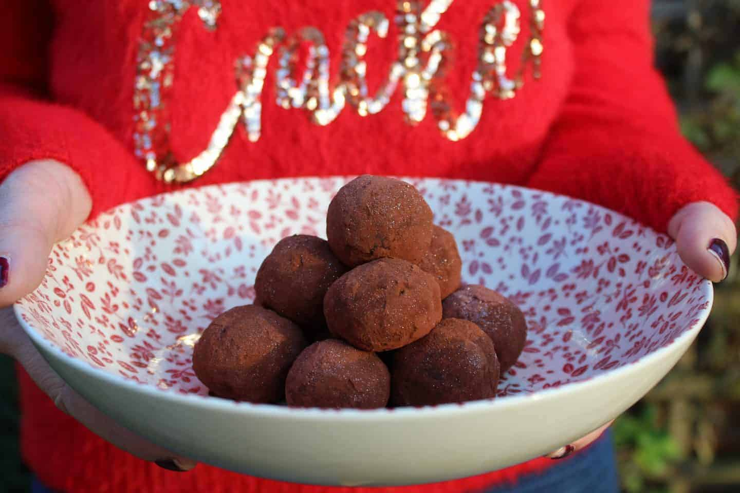 My 3-ingredient gluten and dairy free Christmas pudding truffles