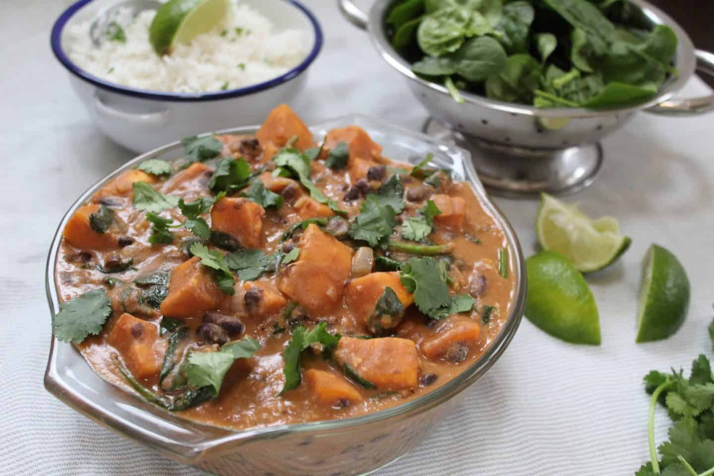 Sweet potato and peanut butter stew with black beans (gluten free & vegan)