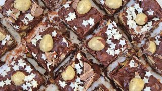 Gluten free Easter rocky roads with caramel and golden eggs