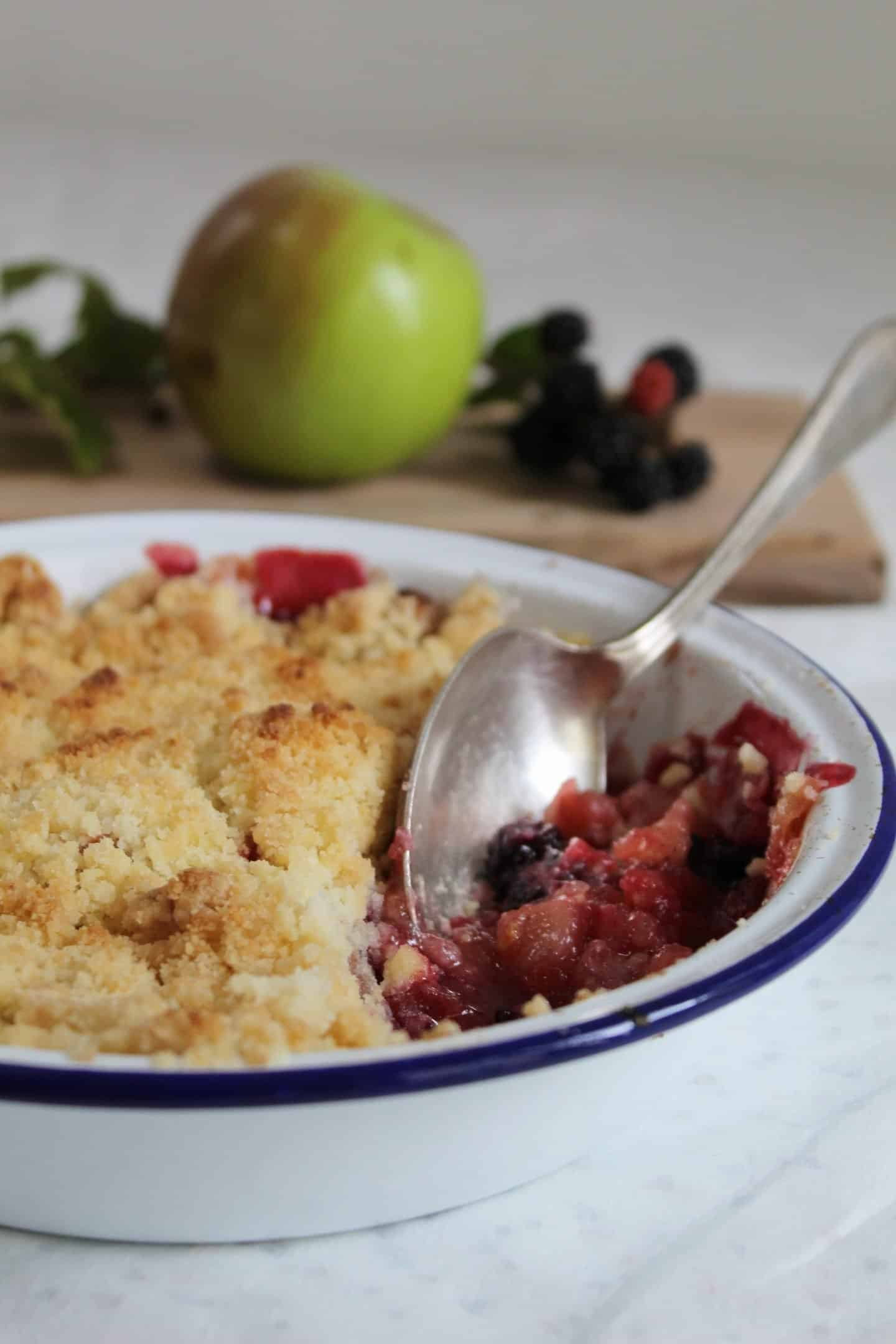 gluten free apple and blackberry crumble recipe