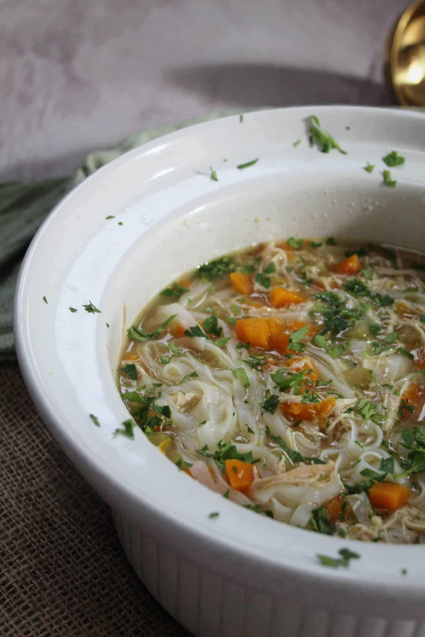 GLUTEN FREE SLOW COOKER CHICKEN NOODLE SOUP RECIPE